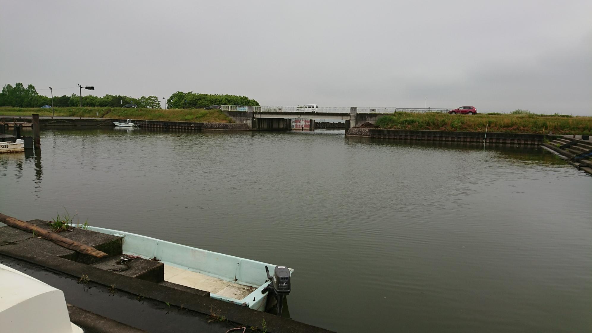 雨と雷の琵琶湖釣行!